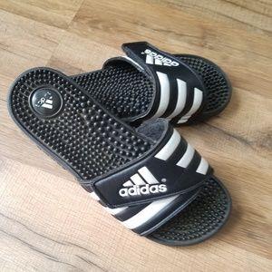 Women's Size 7 Adidas slides
